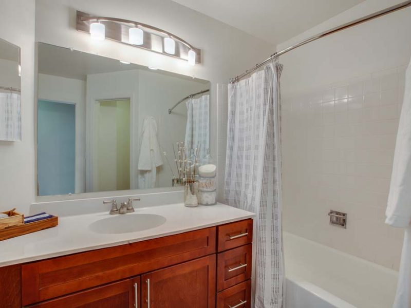 TGM Willowbrook Apartments Bathroom 2